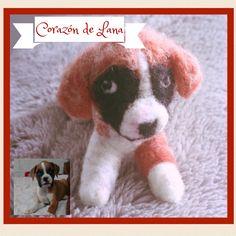 Little boxer dog. Needle felting. Corazón de Lana