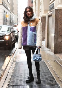 Gala Gonzalez is seen wearing a Coach fur coat outside the Coach 1941 show during New York Fashion Week Fall/Winter 2019 on February 12 2019 in New. Stylish Winter Outfits, Winter Outfits For Girls, Fall Fashion Outfits, Winter Dresses, Fashion Ideas, Winter Fashion, Gala Gonzalez, Legging Outfits, Street Style Edgy