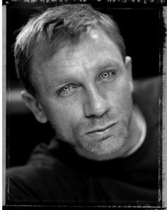 Check out production photos, hot pictures, movie images of Daniel Craig and more from Rotten Tomatoes' celebrity gallery! Daniel Craig 007, Daniel Craig James Bond, Rachel Weisz, Hollywood Actor, Hollywood Stars, James Bond Outfits, Daniel Graig, Best Bond, Cinema