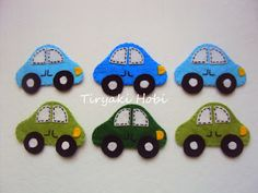 felt cars - possible appliqué idea Felt Puppets, Felt Finger Puppets, Cute Quilts, Baby Quilts, Crafts To Do, Felt Crafts, Baby Cot Mobiles, Felt Magnet, Felt Books