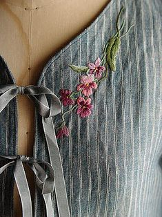 Wonderful Ribbon Embroidery Flowers by Hand Ideas. Enchanting Ribbon Embroidery Flowers by Hand Ideas. Embroidery On Clothes, Embroidered Clothes, Silk Ribbon Embroidery, Embroidery Fashion, Modern Embroidery, Embroidery Applique, Floral Embroidery, Embroidery Stitches, Embroidery Patterns