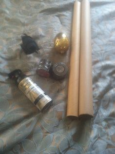 DIY Maleficent staff- Supplies for my Maleficent staff! Wrapping paper rolls, Christmas ornament for orb, wire, electrical tape, glue gun, spray paint and small Halloween crow to sit on top. SO easy to make and super cheap. Halloween 2015, Halloween Outfits, Happy Halloween, Halloween Party, Halloween Costumes, Halloween Ideas, Wrapping Paper Rolls, Diy Costumes, Costume Ideas