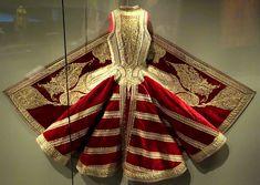 Albanian woman sleeveless jacket