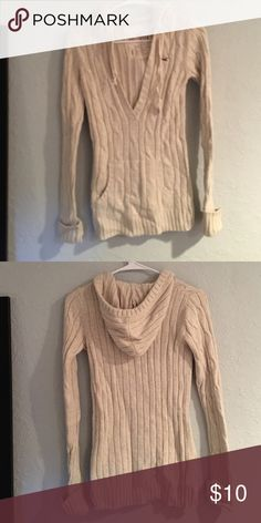 Hollister Sweater Cream Hoodie Size Small, I love this sweater. Heavy too! Hollister Sweaters Crew & Scoop Necks