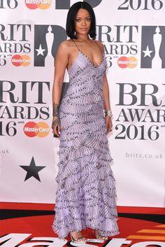 Rihanna no red carpet do Brit Awards 2016