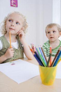 Proyectos de arte para preescolar para el primer día de escuela: familiarizarse | eHow en Español
