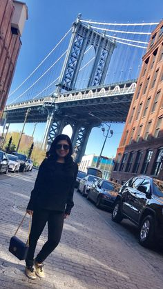 17d3836ec1f0 New York City never disappoints! Nothing but views! My Tory Burch Chelsea  Convertible Shoulder
