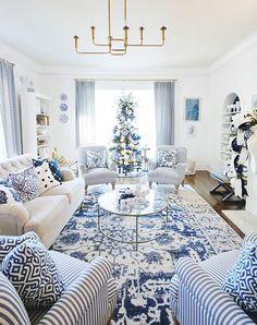 Rugs In Living Room, Living Room Designs, Living Room Decor, Blue Rooms, White Rooms, Blue And White Living Room, Blue Living Rooms, Blue And White Rug, Minimalist Living