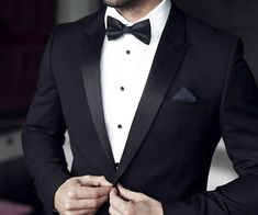 55 ideas wedding reception schedule grooms for 2019 Black Tuxedo Wedding, Groom Tuxedo Wedding, Wedding Suits, Wedding Attire, Trendy Wedding, Mens Wedding Tux, Groom Attire Black, Tuxedo For Men, Wedding Reception