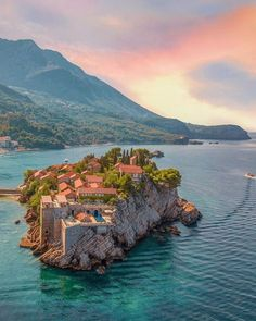 The former 15th century fishing village on the island was turned into a hotel in the 1950s and 1960s. From 2009 it is operated by Aman Resorts. Travel And Leisure, Us Travel, Places To Travel, Places To Visit, Travel Guide, Travel Destinations, Lisalla Montenegro, Beautiful World, Beautiful Places