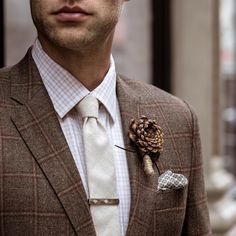 Masculine, rugged, and unexpected—fall wedding details will make her fall for you.