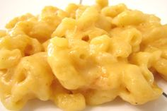 Easy Crock Pot Macaroni and Cheese. Photo by vigilant20