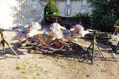 Fête de la #Charcuterie 2013 à #Lacaune les bains. #Jambon à la broche. http://www.tourisme-montsdelacaune.com