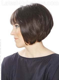 A short bob hairstyle with stacked layers side view