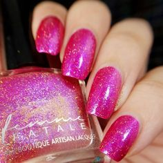 Femme Fatale - Love Bug   Hella Holo Customs Valentine 2017   February 4, 2017   Abright jelly magenta with strong blue-shifting glass flakes, and fine golden holographic microglitter. Love Bug should be opaque for you by three coats, depending on your application style.
