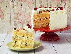 Ez a torta is szerepelt már a blogon, kicsit megújítottam, több a krém benne, így egy hatalmas méretű, nagyon magas torta lett belőle....