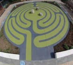 How to make a Labyrinth for a Walking Meditation - Wendy Meades Online Art Courses, Walking Meditation, Spiral Pattern, Simple Shapes, Learn To Paint, Beautiful Paintings, Animal Drawings, Art Lessons, Labyrinths