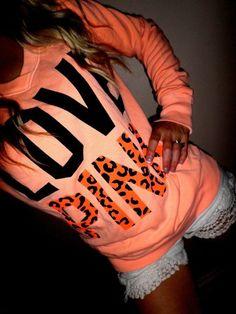 Love this sweatshirt!!!.....<3