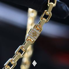 Custom Handcrafted Solid 14K & 18K Gold Hermes Link Chains. Available at www.IFANDCO.com #HermesLink #CustomJewelry #IFANDCO