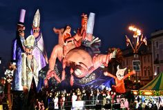 Fest300 - Viareggio Carnevale - Photos, Videos, and Festival Information feb 7,14, and 21