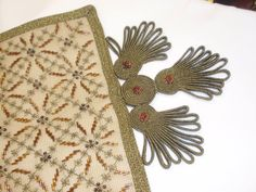 Diy And Crafts, Cross Stitch, Beads, Dots, Beading, Punto De Cruz, Seed Stitch, Cross Stitches, Bead