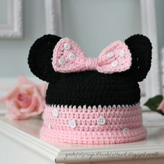 Crocheted Minnie Mouse Hat - links to free pattern with different colors