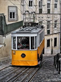 15 Favourite European Summer Travel Destinations - Best Places to Visit in Summer in Europe. Lisbon. #travel #lisbon #summerineurope