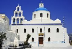 One of the few large churches in Santorini - most of them are small chapels