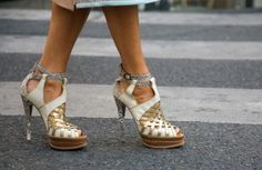 """""""Mettalics"""" the shoe trend casual and night outfits."""