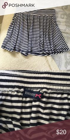 Tommy Girl skater navy and white skirt Navy and white cute skater skirt in medium! Has pockets and is super cute for summer! Tommy Hilfiger Skirts Mini