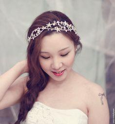 Star Headband - Unique Wedding Headpiece - Rhinestone Wedding Hair Accessories - Bridal Stars Hairpiece - SS103(Etsy のwishpieceより) https://www.etsy.com/jp/listing/103497132/star-headband-unique-wedding-headpiece