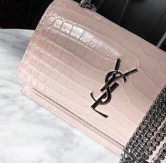YSL - messenger bags for women, black bags for sale, designer bags and purses *ad Beautiful Handbags, Beautiful Bags, My Bags, Purses And Bags, Everything Designer, Ysl Bag, Corporate Fashion, Chanel, Cute Bags