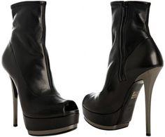 Gucci 'Kills' (FW '09) - I wish these boots were still made!!!