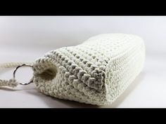 You can knit in 2 hours and join the cocktail :) Crochet Bag Tutorials, Crochet Handbags, Diy Canvas, Handmade Bags, Merino Wool Blanket, Purses And Bags, Knit Crochet, Hello Kitty, Cross Stitch
