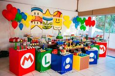 Check out this little-gamer-inspired Super Mario birthday party at Kara's Party Ideas! You can skip all the kitchy ideas found elsewhere--this amazing party is the best! Super Mario Party, Super Mario Birthday, Mario Birthday Party, Birthday Party Tables, 5th Birthday, Birthday Ideas, Nintendo Party, Mario Und Luigi, Mario Bros.