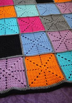 Square crochet blanket http://www.creativejewishmom.com/2013/01/crocheted-starburst-patchwork-blanketfinished.html#