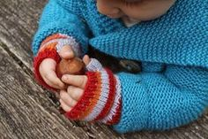 Baby Knitting Pattern Fingerless mittens for the child :: A knitting instruction Knitting For Kids, Knitting Projects, Crochet Projects, Creative Knitting, Crochet Patterns Amigurumi, Baby Knitting Patterns, Fingerless Gloves Knitted, Textiles, Hand Warmers