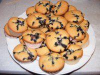 Borůvkové mufiny - jednoduché, rychlé a vysoce jedlé! Muffin, Breakfast, Food, Muffins, Hoods, Meals, Cupcake, Cup Cakes