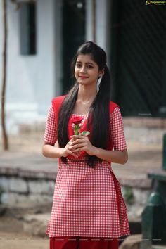 Telugu Actress Summiyya Mohammed (HD) Prema Janta Stills Beautiful Girl In India, Beautiful Blonde Girl, Beautiful Girl Photo, Most Beautiful Faces, Indian Actress Hot Pics, Actress Photos, Indian Actresses, Hot Actresses, Beauty Full Girl