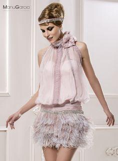 Imagen 2124 Mini vestido de fiesta de inspiración años 20 con falda realizada con aplicaciones de | HISPABODAS