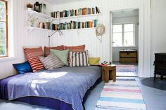 bed with lots of pillows