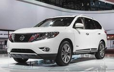 2016 Nissan Pathfinder Changes, Specs and Price - Underneath the hood regarding the 2016 Nissan Pathfinder would be put DOHC that is 3.5-l V6.