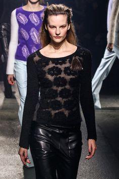 Fall 2013 Ready-to-Wear Sonia Rykiel Knit Fashion, Runway Fashion, Womens Fashion, Daily Fashion, Fashion Show, Style Fashion, Sonia Rykiel, Black Fabric, Designer Collection