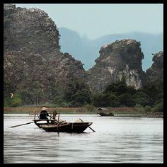 """""""Vietnam. Cultura di riso e bambù"""", fotografie di Massimo Allegro, dal 10 al 27 gennaio 2013 alla Casa delle culture del mondo della Provincia di Milano. Milano, Vietnam, Boat, Dinghy, Boats, Ship"""