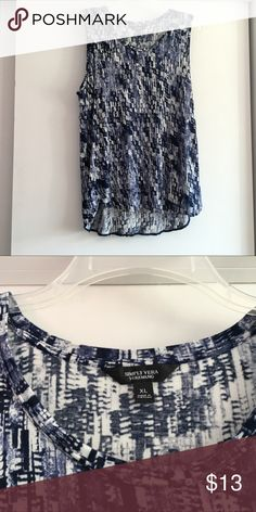 a211200ccbf65 Simply Vera Wang Sleeveless Tunic Sleeveless tunic. Blue/Black/White  design. Simply
