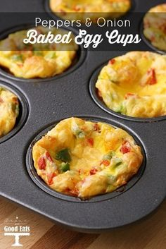 Egg Muffins with Peppers and Onions - Baked Egg Cups- easy breakfast recipe! Best Breakfast Recipes, Brunch Recipes, Healthy Dinner Recipes, Dessert Recipes, Breakfast Cups, Breakfast Casserole, Eat Healthy, Breakfast Ideas, Oven Baked Eggs