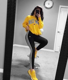 Outfits and flat lays we fell in love with. See more ideas about Casual outfits, Cute outfits and Fashion outfits. Fashion Trends, Latest Fashion Ideas and Style Tips. Teen Fashion Outfits, Young Fashion, Sport Outfits, Womens Fashion, Fashion Ideas, Ootd Fashion, Ladies Fashion, Black Girls Outfits, Casual Teen Fashion