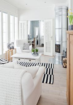 Black and white New England Style, Living Spaces, Living Room, Home And Deco, White Houses, Next At Home, White Decor, Home Interior Design, Interior Inspiration