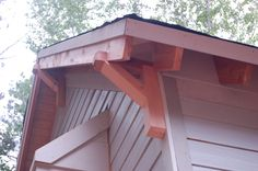 Fine details going up on the exterior – Modern Craftsman Style Home Craftsman Porch, Craftsman Interior, Craftsman Cottage, Modern Craftsman, Modern Farmhouse Exterior, Craftsman Style, Diy Interior, Exterior House Colors, Exterior Design