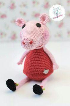 Crochet Peppa Pig amigurumi www.dehaakfabriek.nl